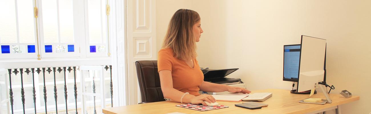 Lucía Gómez en el despacho
